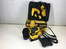 Dewalt 2.3 Amp Corded 1/4 Sheet Palm Grip Sander Kit with Contractor Bag