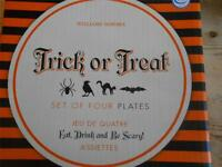 8 Williams SOnoma Trick or Treat Halloween Appetizer Plates NIB
