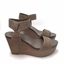 Vince Camuto Valamie Wedge Sandal Heel Sz 8 Taupe Leather Perforated Women's