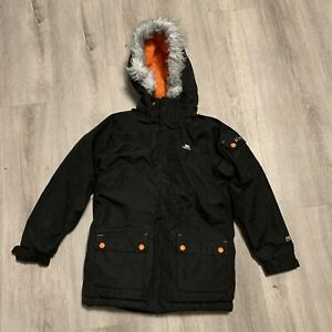 Trespass TP50 5000mm Black Jacket. Kids Size 7-8 Years