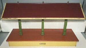 LIONEL PREWAR STANDARD GAUGE 155 FREIGHT ILLUMINATED STATION SHED - EARLY COLORS