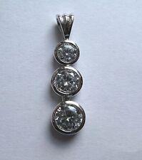 argento sterling tre pietre zircone cubico CORONA Set Pendente a goccia