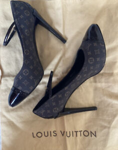 Authentic Louis Vuitton monogram heels shoes size 38 EU, 7 US
