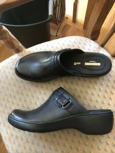 Clarks Collection Women's Leather   Black Buckle Slip On Shoe Cushion  NEW 11