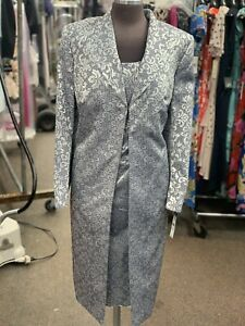 JOHN MEYER DRESS SUIT/SIZE 24W/NEW WITH TAG/DRESS LENGTH 40/LINED/$229/SILVER