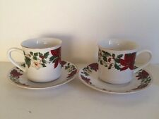 Gibson POINSETTIA HOLIDAY Christmas Green Red 2 MUGS SAUCERS 8oz 1 Cup EUC