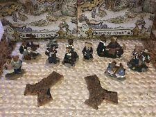 Boyds Bearly-Built Villages 8 Figures And 2 Cobblestones
