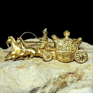 CLEARANCE - large solid 18k yellow gold Cinderella coach brooch 12.3 grams M-F