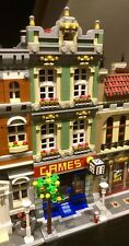 LEGO CUSTOM MODULAR GAME SHOP connects with 10185 for city train display MOC 393