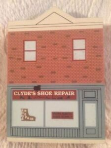 Cat's Meow Elm Street Series Clyde's Shoe Repair Wooden House 1994