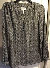 Laundry by Shelli Segal black and white printed 1/3 button down blouse Size M