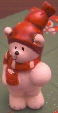 Weihnachten Teddybär weiß mit Schneeball links Mütze 11 x 6 cm Keramik Deko Neu
