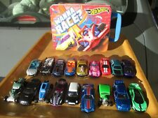18 Hotwheels CARS & CARRY CASE (tin with plastic pigeon hole insert)