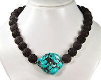 Sehr schöne Halskette aus Lava und einem großen Nugget aus Türkis (Howlith)