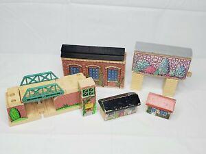 Thomas & Friends Wooden Railway Bridge Tunnel Buildings Lot  (D)