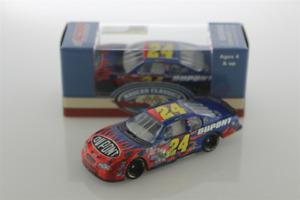 NEW NASCAR JEFF GORDON # 24 DUPONT 2002 BRISTOL RACE WIN 1/64 CAR