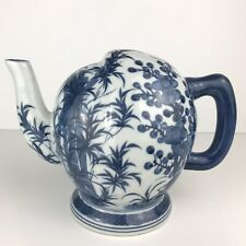 RARE Vintage Chinese porcelain blue and white Handpainted tea pot Closed top