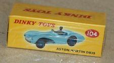 dinky toys / Aston Martin DB3S  ( ref 104)   éditions Atlas (neuve en boite)