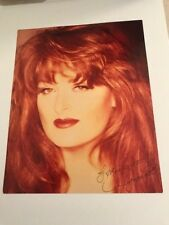 WYNONNA SIGNED COLOR PHOTO