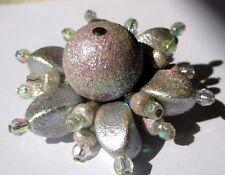 broche bijou vintage fleur en relief couleur argent perle déco 4442