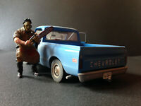 Chevrolet C10 Chevy C-10 The Texas Chainsaw Massacre + Leatherface Figur 1:18