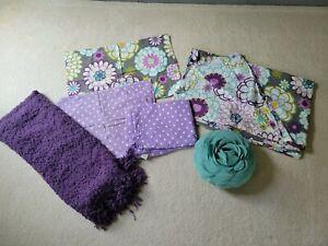 Pottery Barn Teen Flower & Polka Dot Twin Bed Set / Duvet cover / Sheet / Pillow