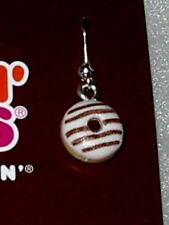 DUNKIN DONUTS GIFT CARD AND DONUT EARRINGS IN A GIFT BOX