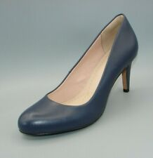 """CARLITA COVE""Clark's Women's/Ladies NAVY Leather Shoes size 4 D."