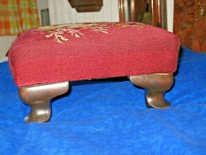 Antique Queen Ann Style Foot Stool Flowers  Needle Point Wood Feet Footstool