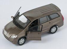 Spedizione LAMPO TOYOTA INNOVA Marrone/Brown Welly Modello Auto 1:34 NUOVO & OVP