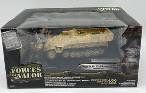 Forces of Valor German Sd. Kfz. 251/9 Kanonenwagen Normandy 1944 1:32