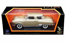 ROAD SIGNATURE 1:18 1950 STUDEBAKER CHAMPION Diecast Car 92478TAN