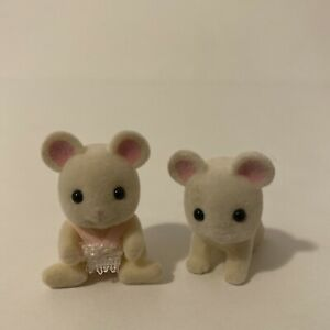 Calico Critters Sylvanian Families Hawthorne White Mouse Baby Twins