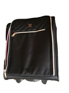 IT Luggage Softside 16 inch Carryon Spinner Suitcase Black Never Used