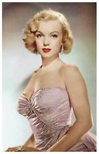 Sexy MARILYN MONROE actress PIN UP PHOTO postcard - Publisher RWP 2003 (60)