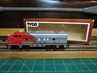 "TYCO 4015 HO EMD F7A Powered Passenger Locomotive ""WAR BONNET AT&SF"""