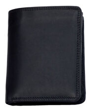 Genuine leather wallet with fabric lining. Just leather in bankontes compartment