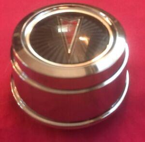 Vintage Pontiac Logo Emblem GRAY Chrome OEM Wheel Rim Center Hub Cap 100 5310 1
