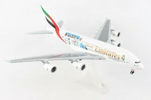 HE559508 HERPA WINGS EMIRATES AIRBUS A380 1/200 REAL MADRID 2018  PLASTIC MODEL