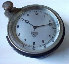 A VINTAGE SMITHS MANUAL WIND CAR CLOCK c.LATE 1940'S