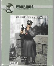 Warriors Wehrmacht General Figure Resin 1/35 German Army Wine Bottle WA35187