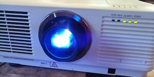 MITSUBISHI WD8200LU DLP PROJECTOR, 6500 LUMENS, Works Great!! 239 Lamp Hours!