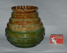AUSTRALIAN RIBBED  VASE - 1930's  -  EXCELLENT PIECE !