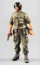 Verlinden 120mm 1/16 USAF Chopper Crew Soldier holding .45 Colt Vietnam War 445