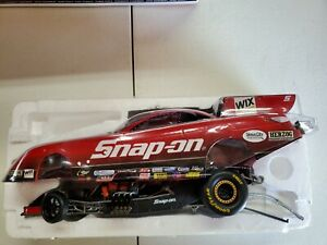 Cruz Pedregon Snap-On 2011 Toyota Funny Car diecast 1:24 scale