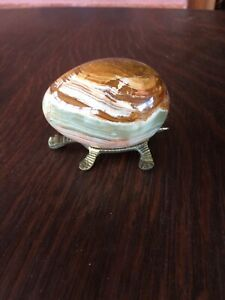 Onyx Egg On Stand