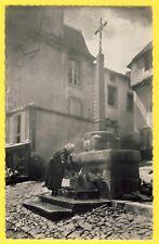cpsm Auvergne15 - CHAUDES AIGUES vers 1950 (Cantal) FONTAINE d'EAU CHAUDE Animé