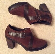 EUC! Womens Clarks Artisan Collection Brown Suede Clogs/Boots Sz 5.5M