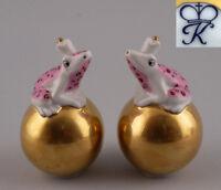 9944071 Kämmer Porzellan Streuer Frosch auf goldener Kugel rosa H8,5cm