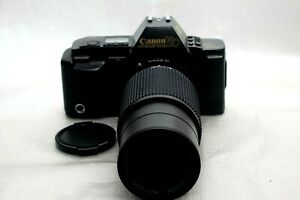 Canon T70 film Camera w/ 80-205mm f4.5 Zoom lens *Excellent*